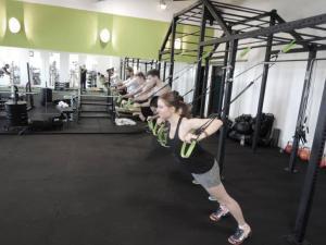Slingtrainer dürfen im Zirkeltraining nicht fehlen