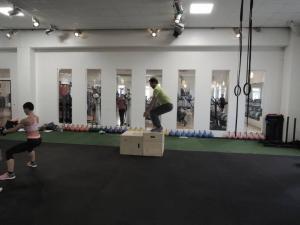 Mach doch mal den Box Jump - Wie hoch kannst du springen im Zirkeltraining?